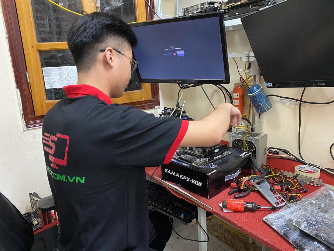 màn hình máy tính không nhận tín hiệu
