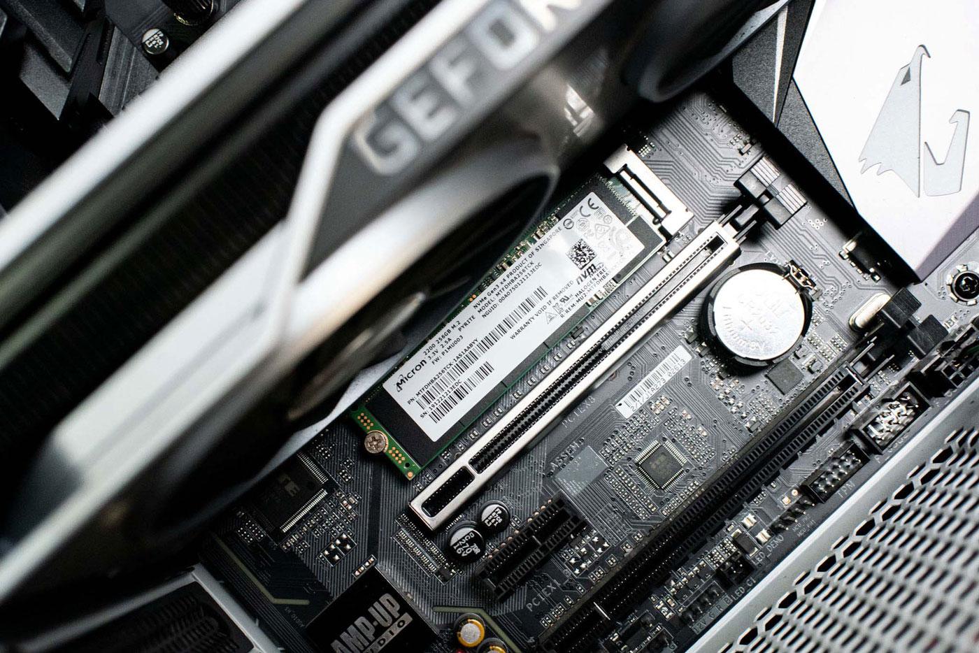 vị trí cắm ổ cứng SSD M2 NVMe